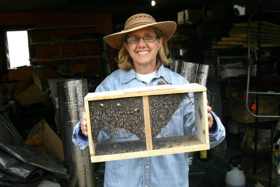SF photo Linda Borghi and 12000bees