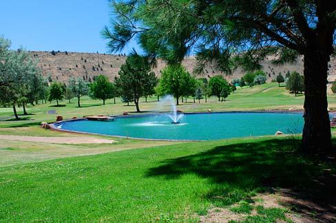 Kah-Nee-Ta_Golf_Course_(Wasco_County,_Oregon_scenic_images)_(wascDA0144a)