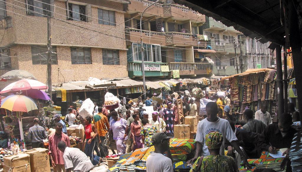 Market_in_Lagos,_Nigeria