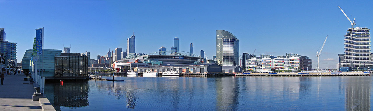 1280px-Melbourne_from_Waterfront_City,_Docklands_Pano,_20_07_06