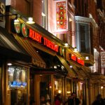 800px-Ruby_tuesday_chinatown_dc