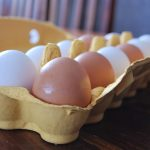 1280px-brown_and_white_eggs