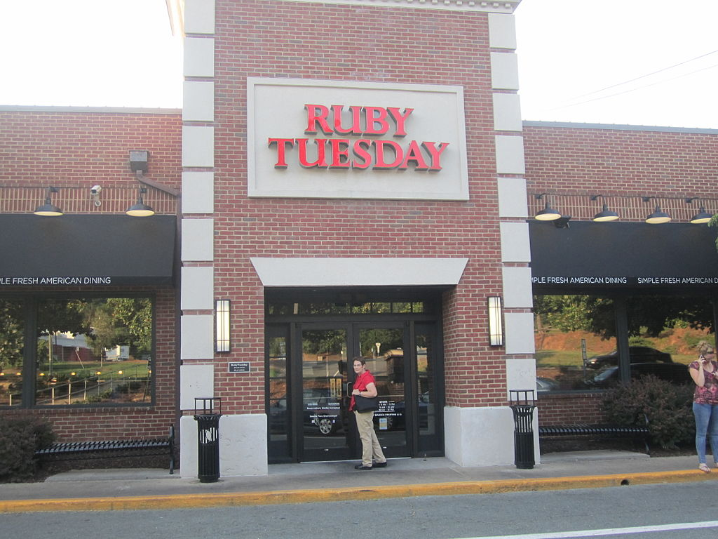 1024px-Ruby_Tuesday_in_Charlottesville,_VA_IMG_4210