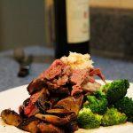 800px-Beef_Prime_Rib_Dinner