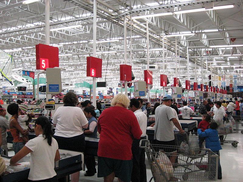 800px-Walmart_Playa_del_Carmen_Checkouts